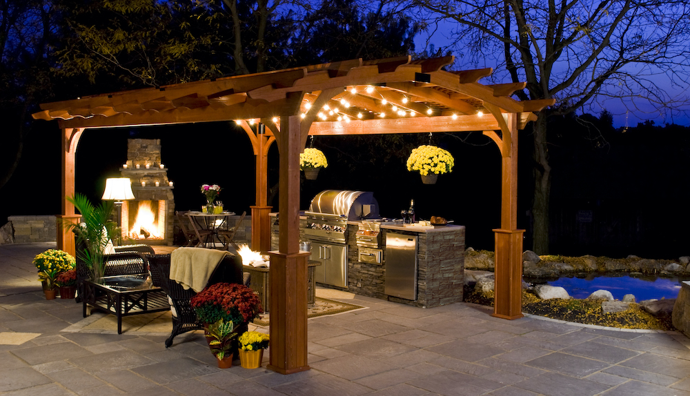 3 Great Ideas for Turning Your Backyard Into Your Family Staycation Spot