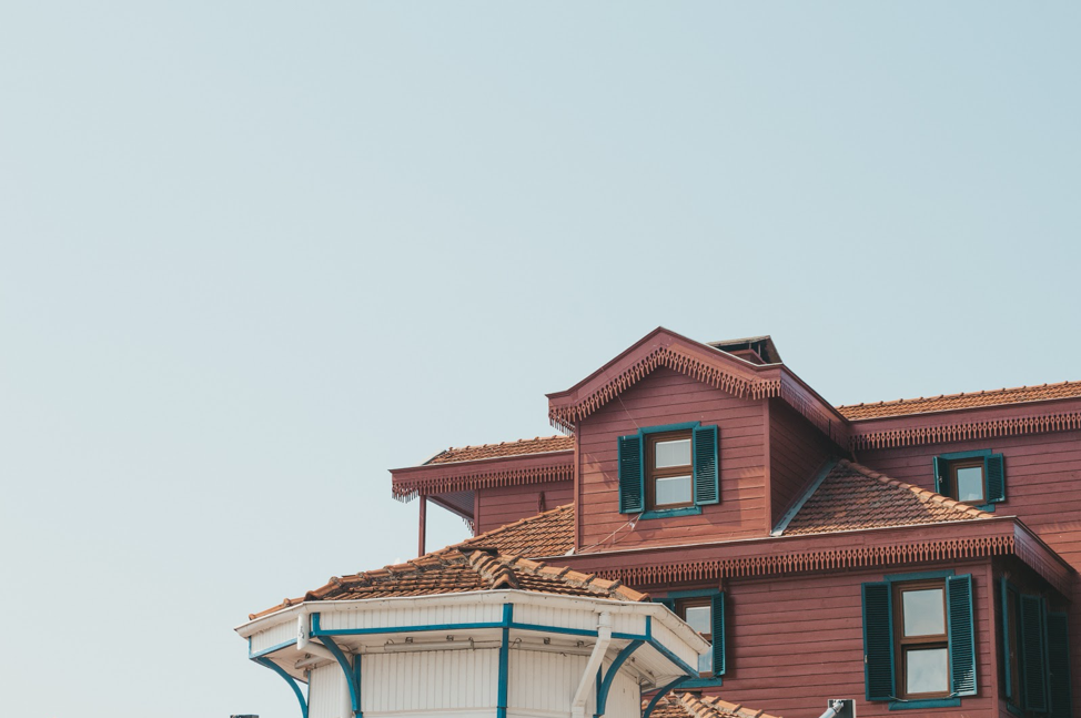 8 Factors to Consider Before You Tear Down a House